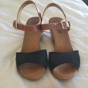 Clark's Cushion Wedge Sandals